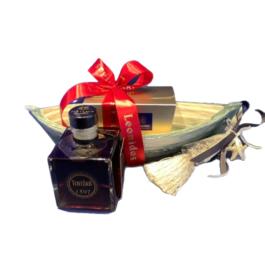 Σύνθεση δώρου σε κεραμική βάρκα-γούρι – SD4
