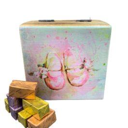 Ξύλινο διακοσμητικό κουτί ροζ παπουτσάκια SD2153